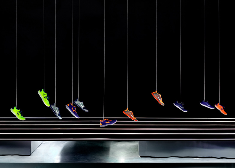 Dezeen_Nike-Free-2013-Installation-by-Studio-at-Large_ss_9
