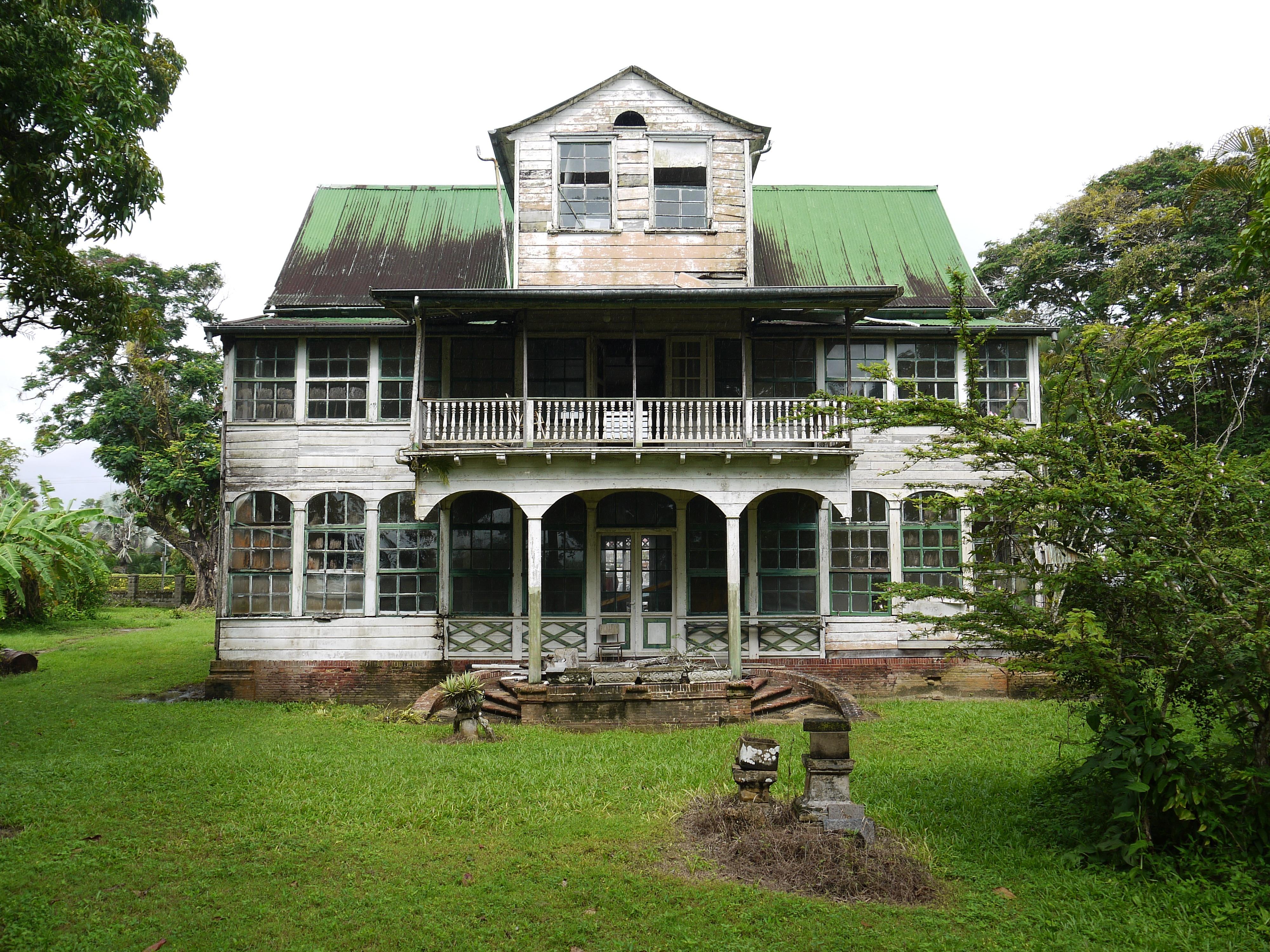 Het huis vlak voor de restauratie