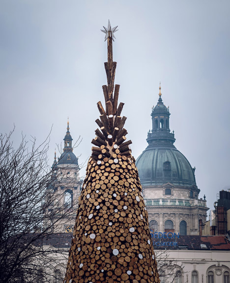 Christmas-tree-without-the-glitter-by-Hello-Wood_dezeen_468_1