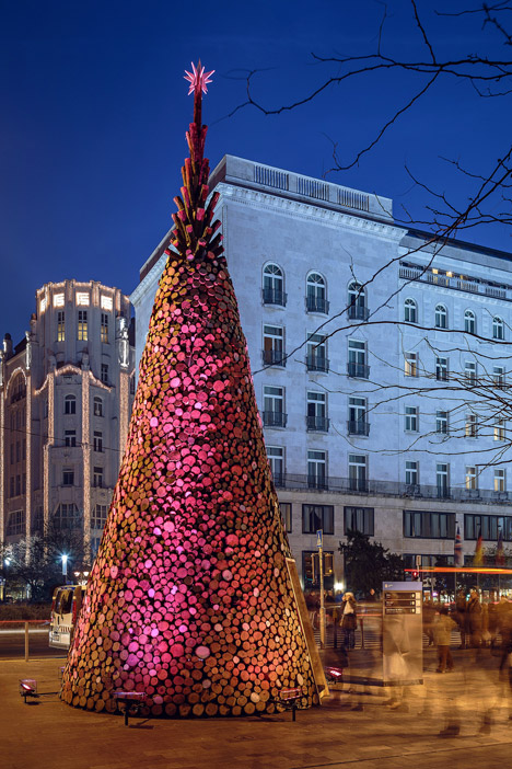 Christmas-tree-without-the-glitter-by-Hello-Wood_dezeen_468_11