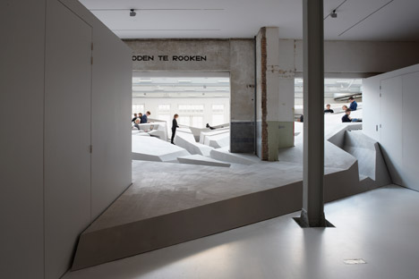 The-End-of-Sitting-by-RAAAF_dezeen_468_11