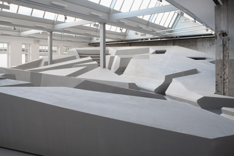 The-End-of-Sitting-by-RAAAF_dezeen_468_2